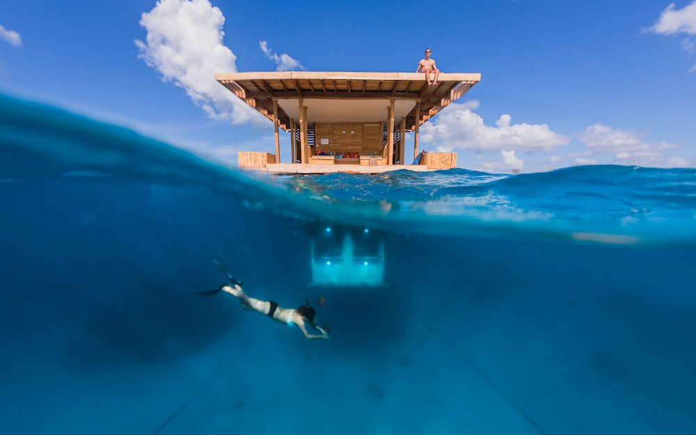 The Manta Underwater Room - Photos by Jesper Anhede © Genberg Art UW Ltd .