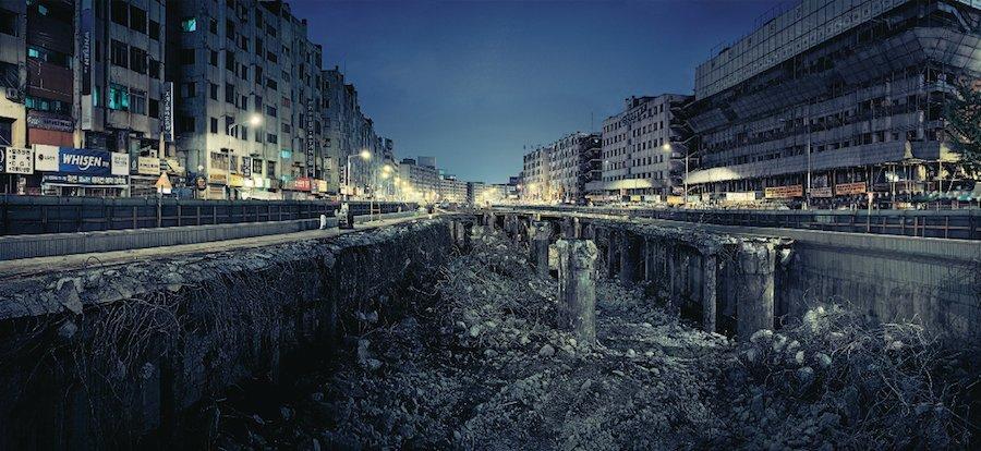 "Korean Pavilion ""Crow's Eye View"". Ahn Sekwon, Cheonggye Stream's View of Seoul Lights, 2004"