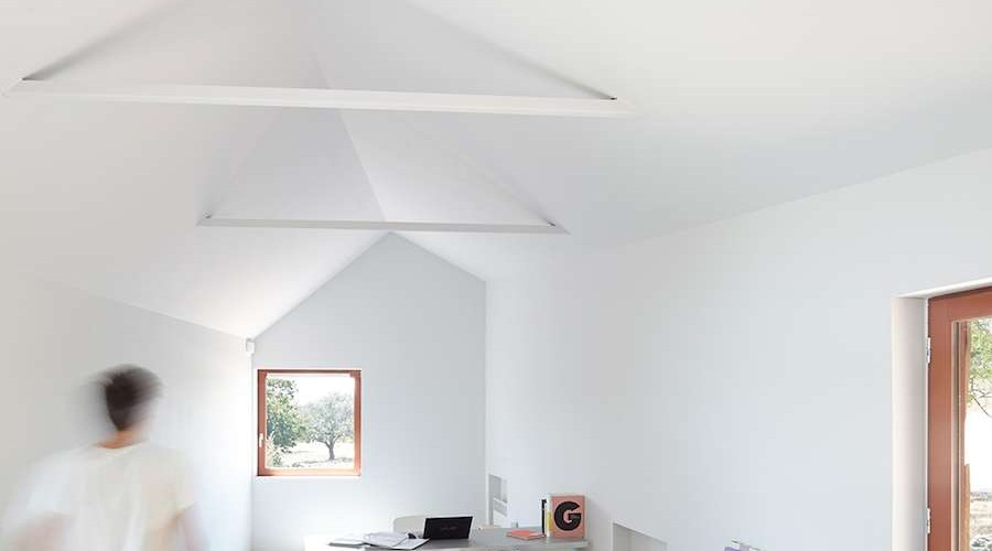 walking to mont san michel. Black Bedroom Furniture Sets. Home Design Ideas