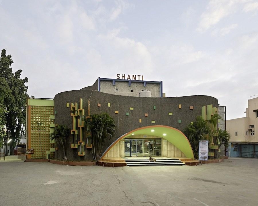 Haubitz + Zoche, Shanti (Hyderabad) - 2014, copyright: Haubitz + Zoche/ courtesy: Nusser & Baumgart, Munich