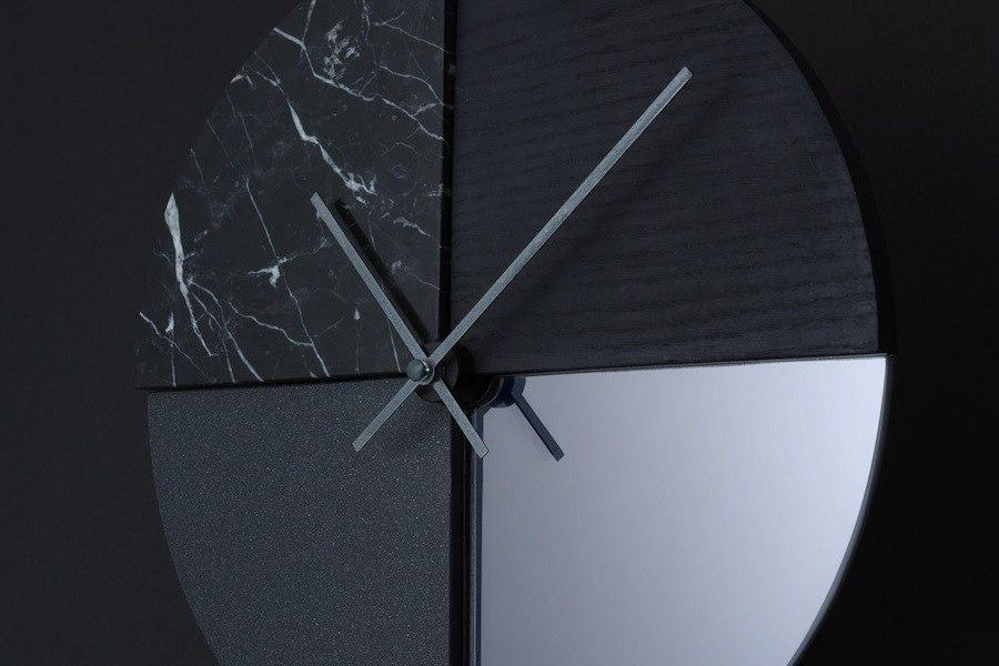 Mono clock, detail - © Cooperativa Panoramica.