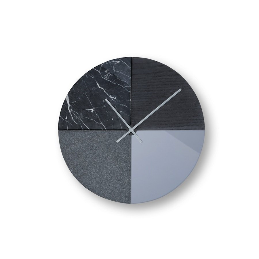 Mono wall clock - © Cooperativa Panoramica.