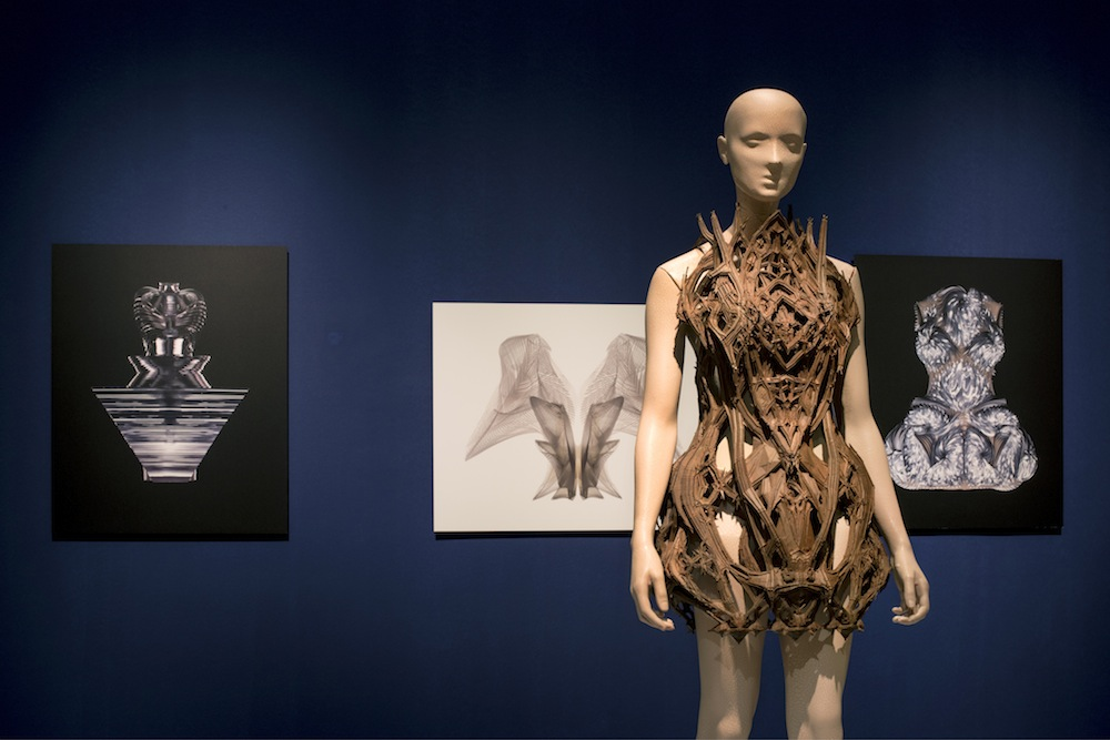 Iris van Herpen: Micro. Photo by Sharon Derhy - Courtesy of Design Museum Holon.