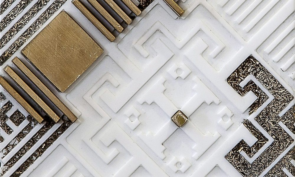 Nermeen Abu-Dail, Takween 2 Composition 2, Wall hanging artwork, White Corian with copper and copper in lay, 15×43 cm, 2014, Photo taken by Nabeel Qutteineh copia