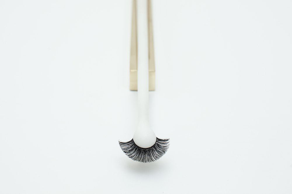 Sensorial brushes by Najla El Zein Workspace BLINK 1