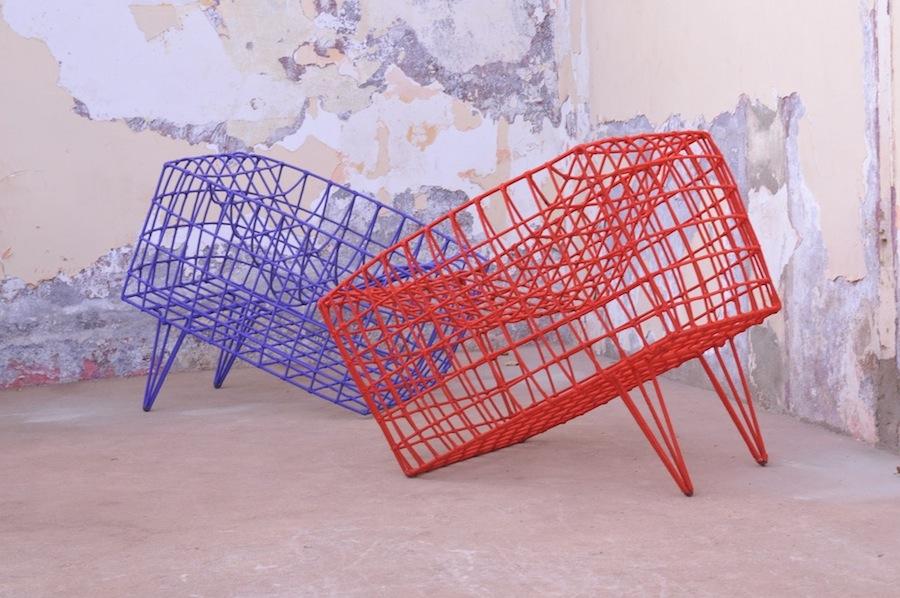 """Cheick Diallo, """"Fauteil Sansa bleu«"""", 2011, Ses- sel/chair, © Cheick Diallo."""