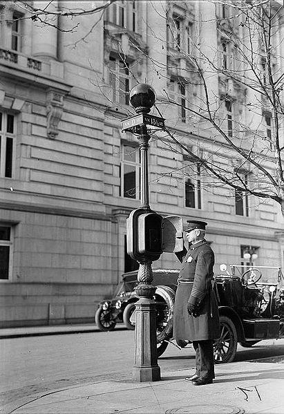 Chicago police telephone box, 1926.
