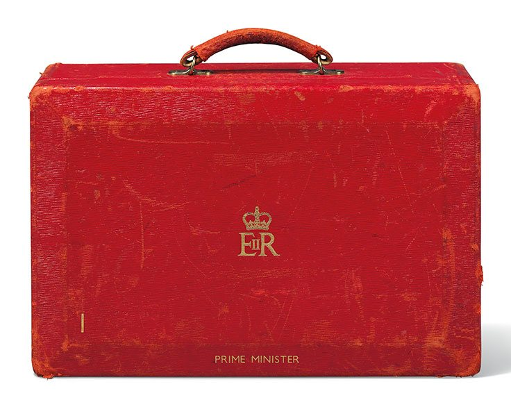 prime-ministerial-dispatch-box--embossed-with-the-royal-cypher-of-her-majesty-queen-elizabeth-ii
