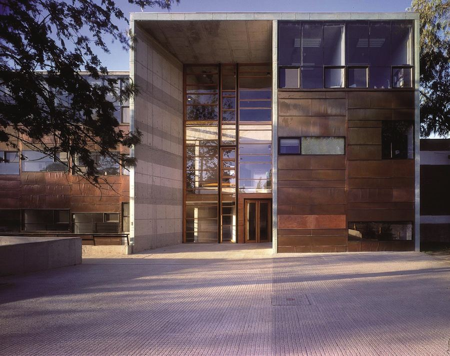 Aravena/ELEMENTAL: Mathematics School, 1999, Universidad Católica de Chile, Santiago, Chile - Photo by Tadeuz Jalocha.
