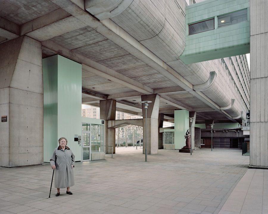 Josette, 90, Vision 80, Esplanade de La Défense, 2013.