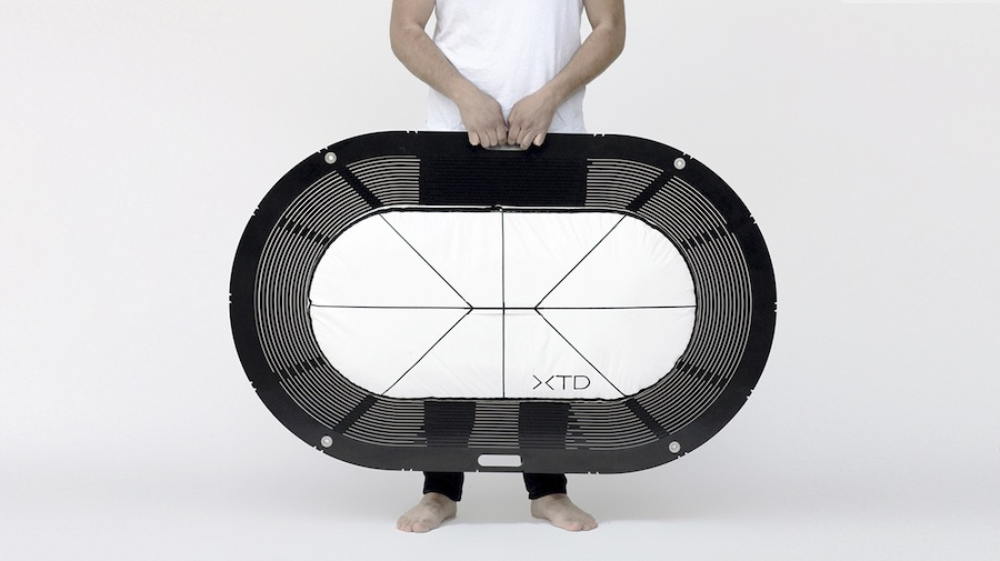 XTEND portable bathtub by Carina Deusch - Photos: courtesy of Carina Deuschl.