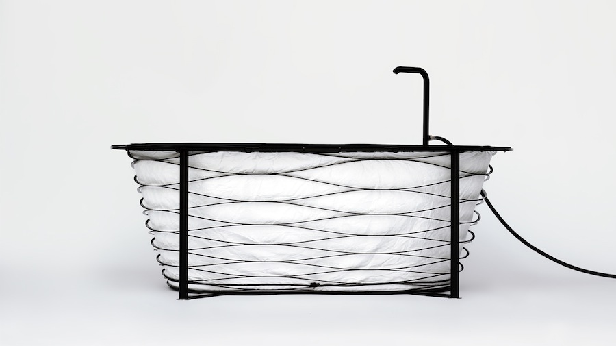 XTEND portable bathtub by Carina Deusch