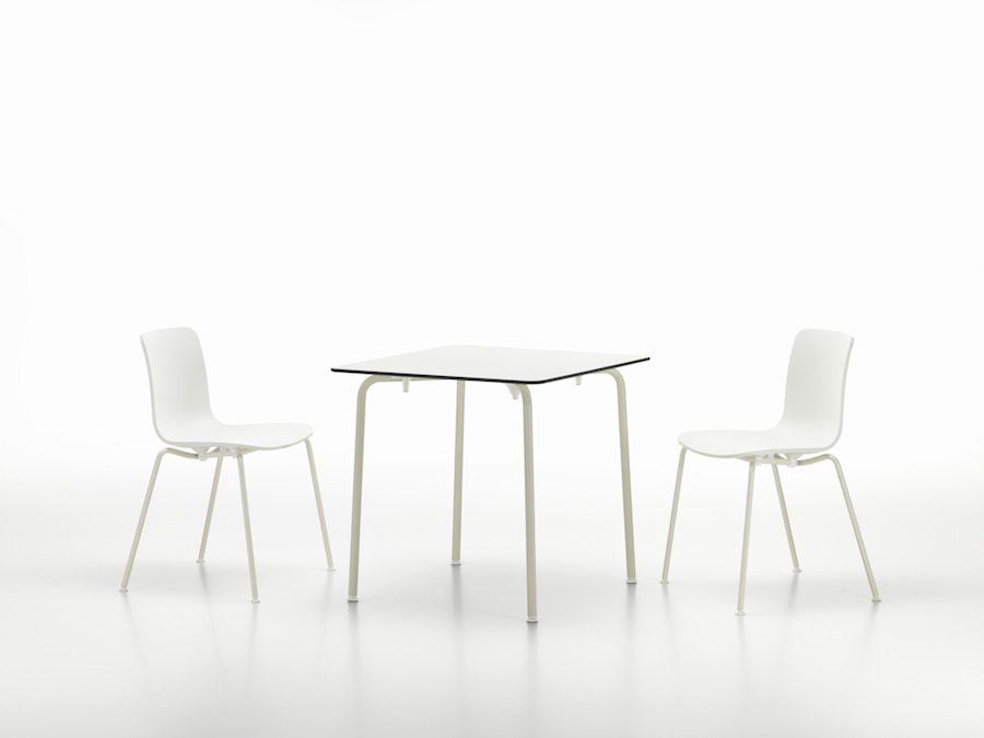 The White Collection: HAL tube chairs and HAL table - © Vitra Photo by Marc Eggimann.