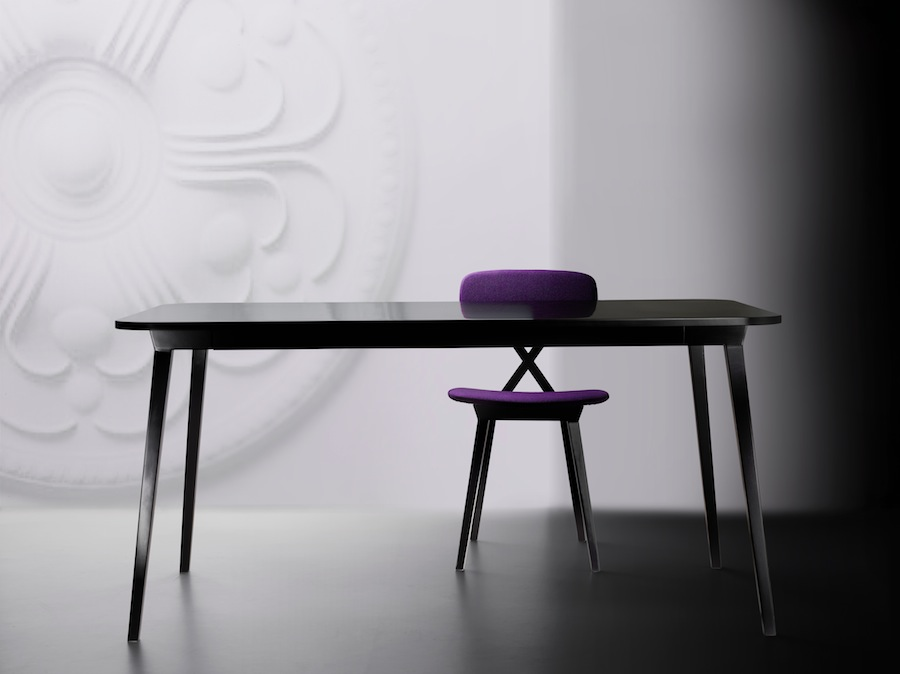 Qeeboo - Nika Zupanc X-TABLE and X-CHAIR
