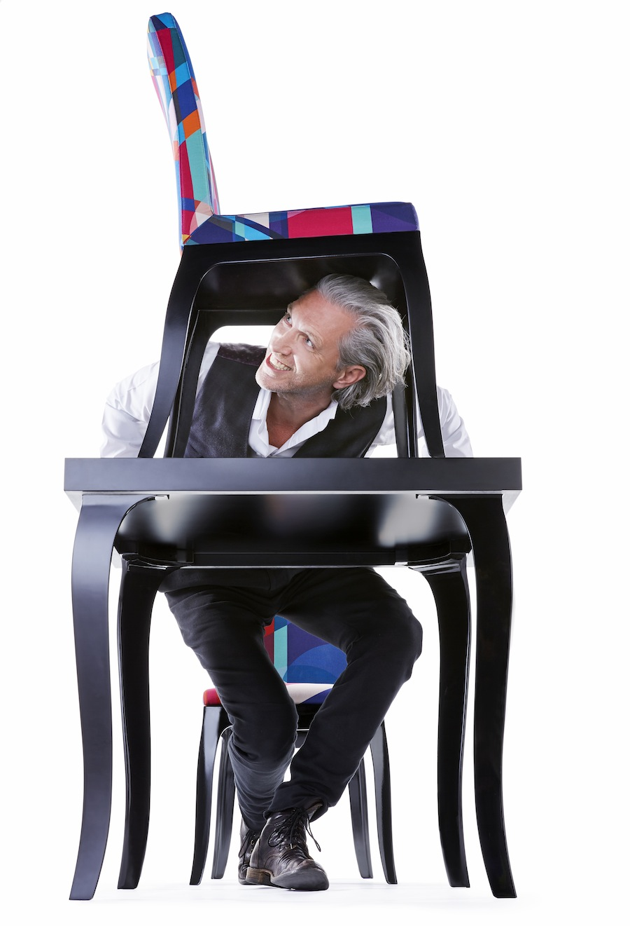 qeeboo - Marcel Wanders with B.B. Chair & B.B. Table by Marcel Wanders__phToniMeneguzzo