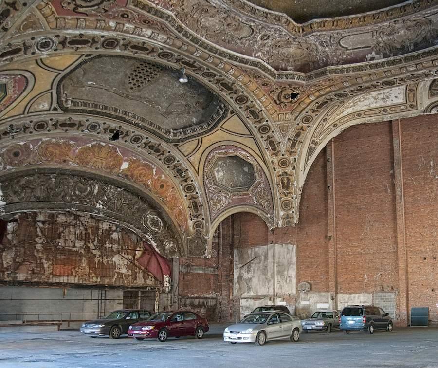 Detroit Michigan Theatre Parking garage - Photo by Bob Jagendorf Flickr CC