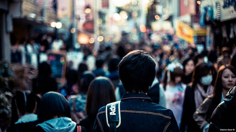 Crowd in Tokyo - Photo by Stephan Geyer, Flickr CC.