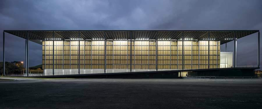 Zona B, Youth Arena - Photo by Leonardo Finotti, courtesy of Vigliecca & Associados.