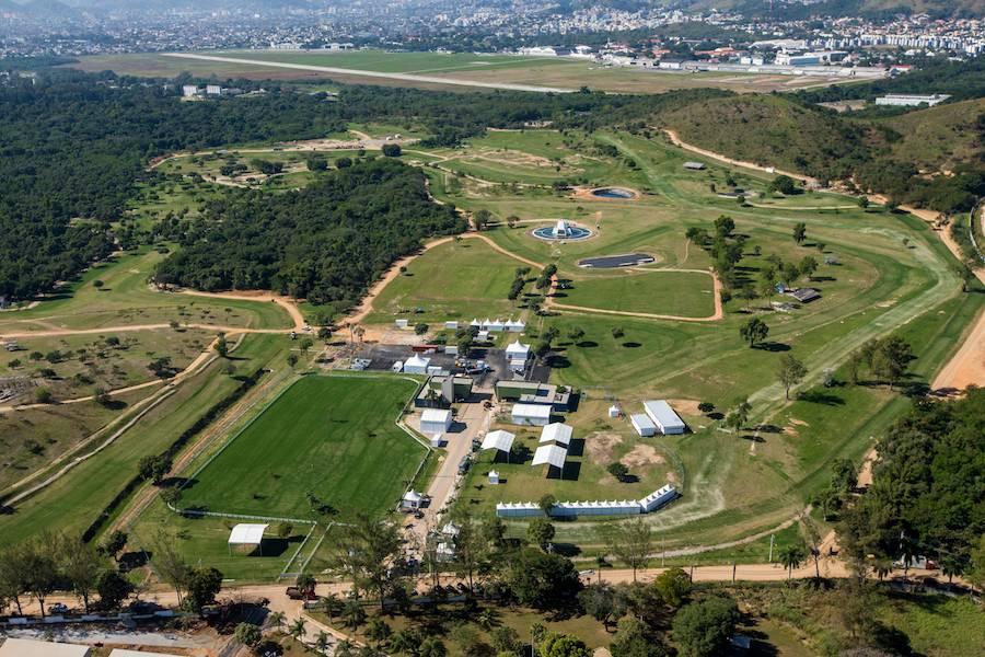 Zona C with Olympic Equestrian Centre - Photo: ©Gabriel Heusi, courtesy of Vigliecca & Associados.