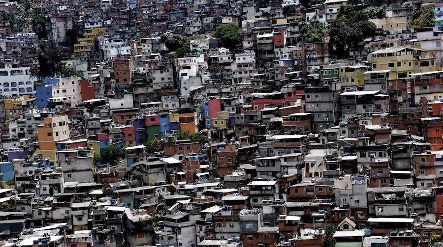 Favela Urban scape - Frame from Ta No Mapa teaser.