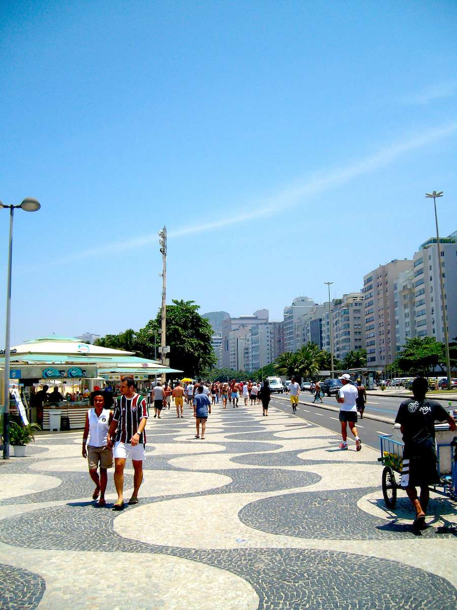 Copacabana promenade - Photo by ArchiPanic.