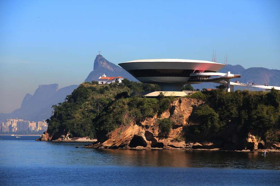 Museum of Contemporary Art MAC, Niterói - Photo by Marinelson Almeida Flickr CC.
