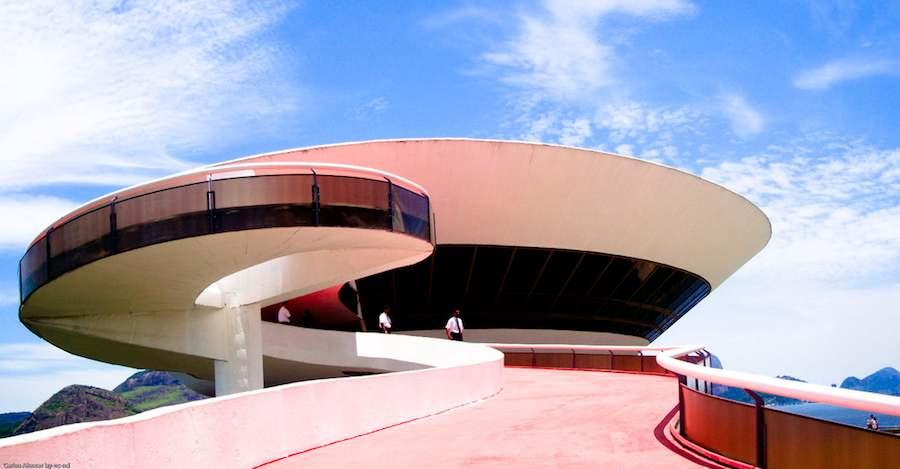 Museum of Contemporary Art MAC, Niterói - Photo by Carlos Alcocer Sola Flickr CC.