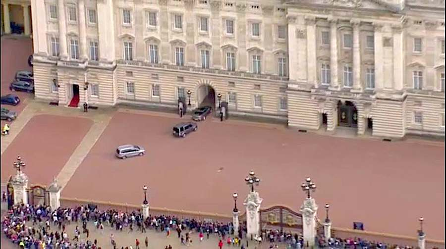 David Cameron goes to Queen Elizabeth the II to formally notify his resignation as Prime Minister of United Kingdom.