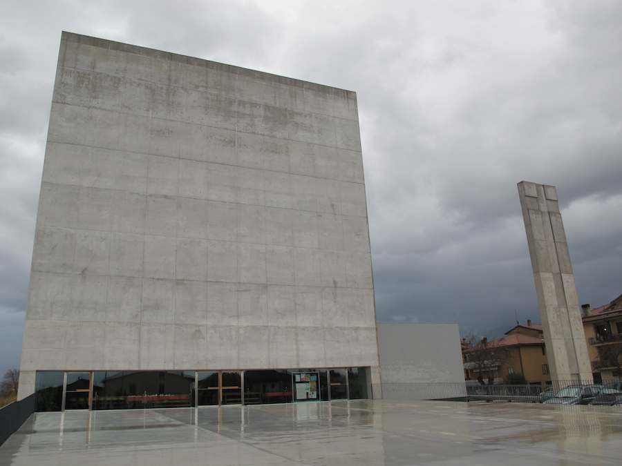 Massimiliano and Doriana Fuksas, chiesa San Paolo Apostolo, Foligno, 2012 - Photo by Sailko.