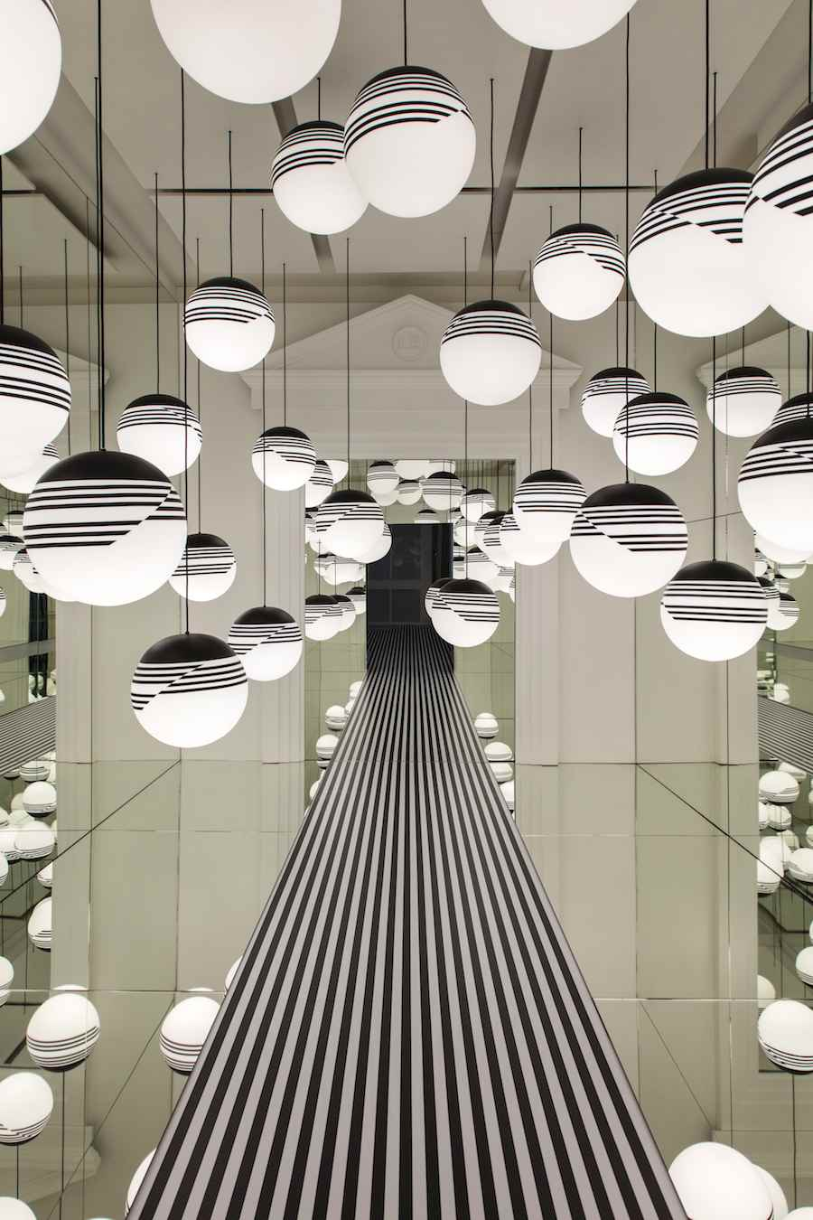 lee-broom-opticality-for-ldf-2016-photo-credit-luke-hayes-3