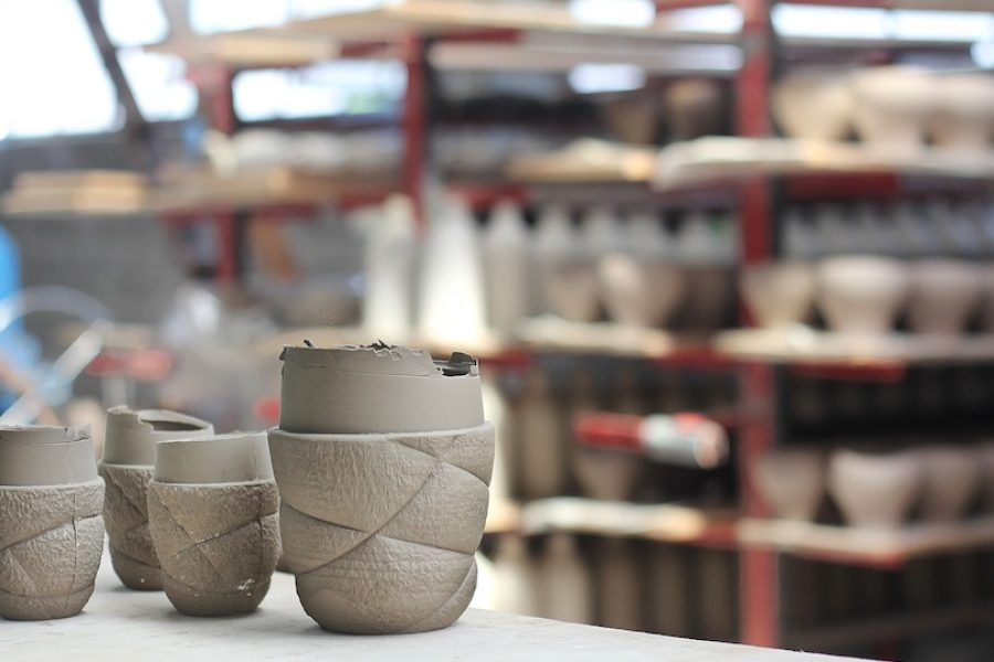 Making of Succession Ceramic tableware by Färg & Blanche for Petite Friture – Image: courtesy of Färg & Blanche.