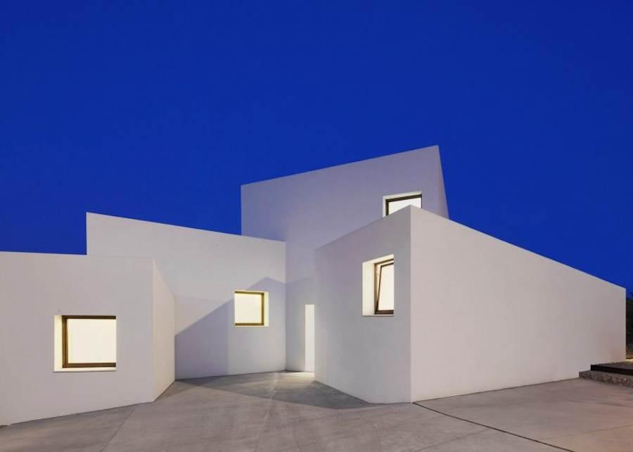 WAF2016 House Award - OHLAB Oliver Hernaiz Architecture Lab, House MM, Palma de Mallorca, Spain.