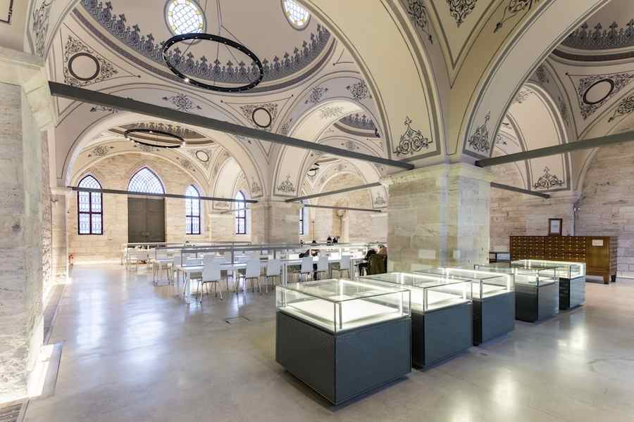 New and Old Award: Tabanlioglu Architects, Beyazit State Library - Reading Room @Emre_Dörter.