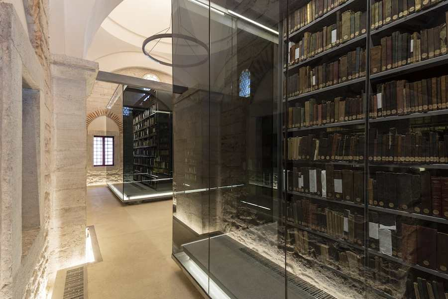 Beyazit Public Library in Istanbul - Photo by Emre Dörter, courtesy of Tabanlioglu Architects.