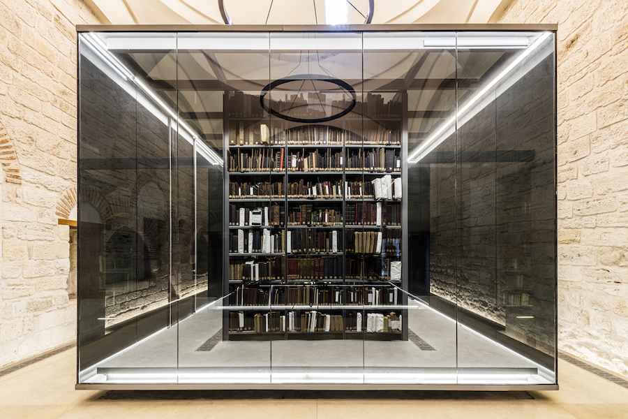 New and Old Award: Tabanlioglu Architects, Beyazit State Library - Sook Shelves @Emre_Dörter.