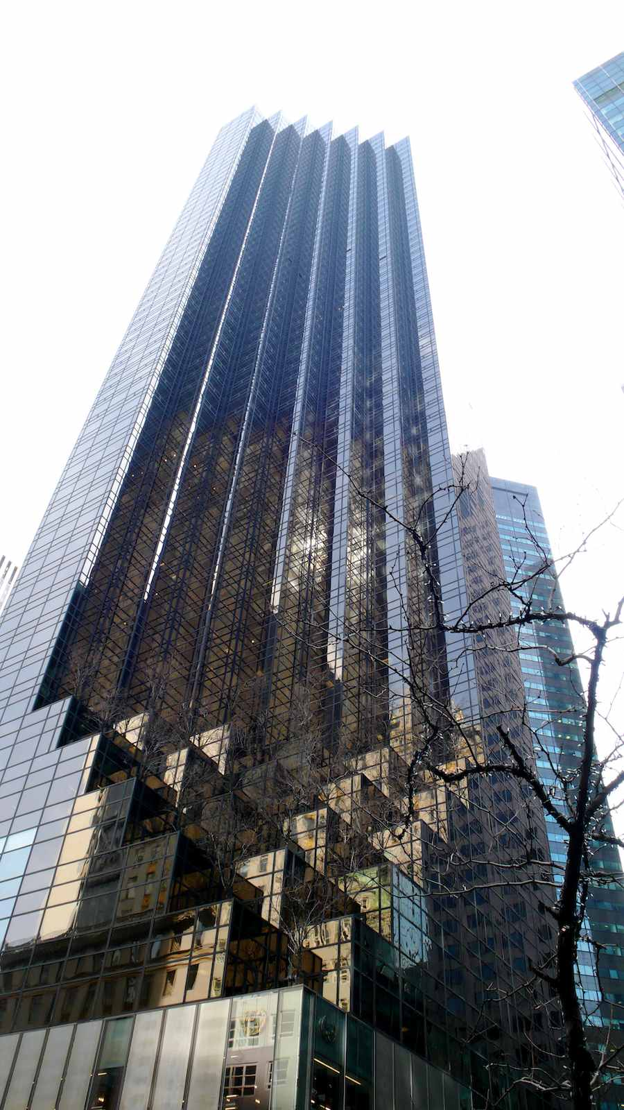 Trump Tower 5th avenue NYC - Photo by Andrea Puggioni Flickr CC