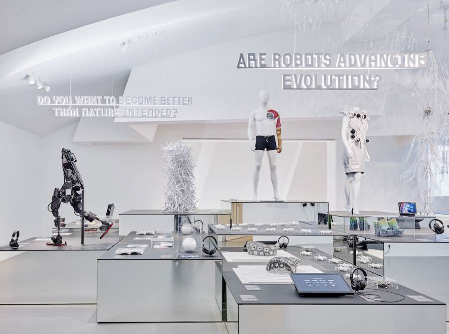 """Hello, Robot. Design between Human and Machine"" - Photo by Mark Niedermann; courtesy of Vistra Design Museum."