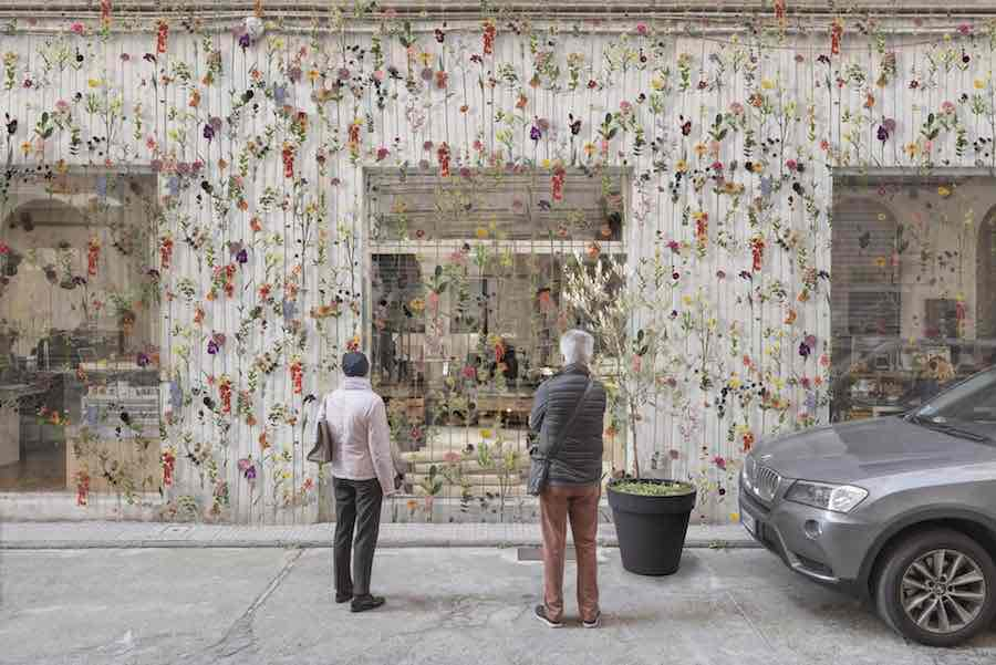 Facade Gardening - Photo by Piuarch.