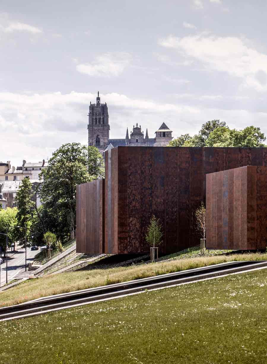 RCR Arquitectes: Soulages Museum, 2014, Rodez, France In collaboration with G. Trégouët - Photo by Hisao Suzuki.