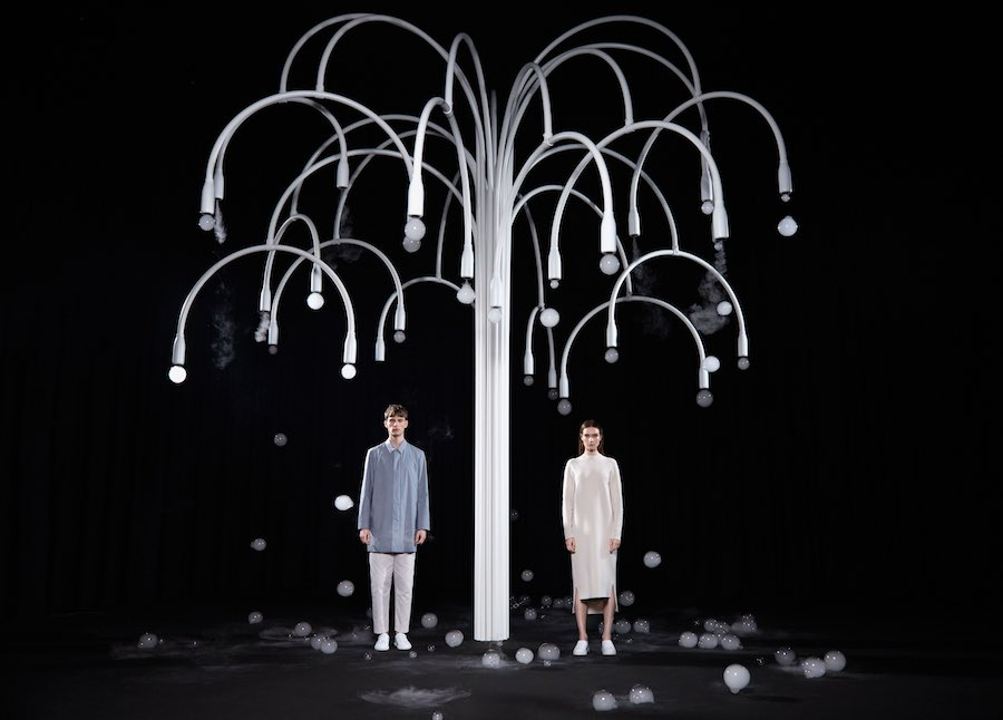 8 lighting installations at Milan Design Week - Tree-Chandelier by Studio Swine got COS. Courtesy of COS.