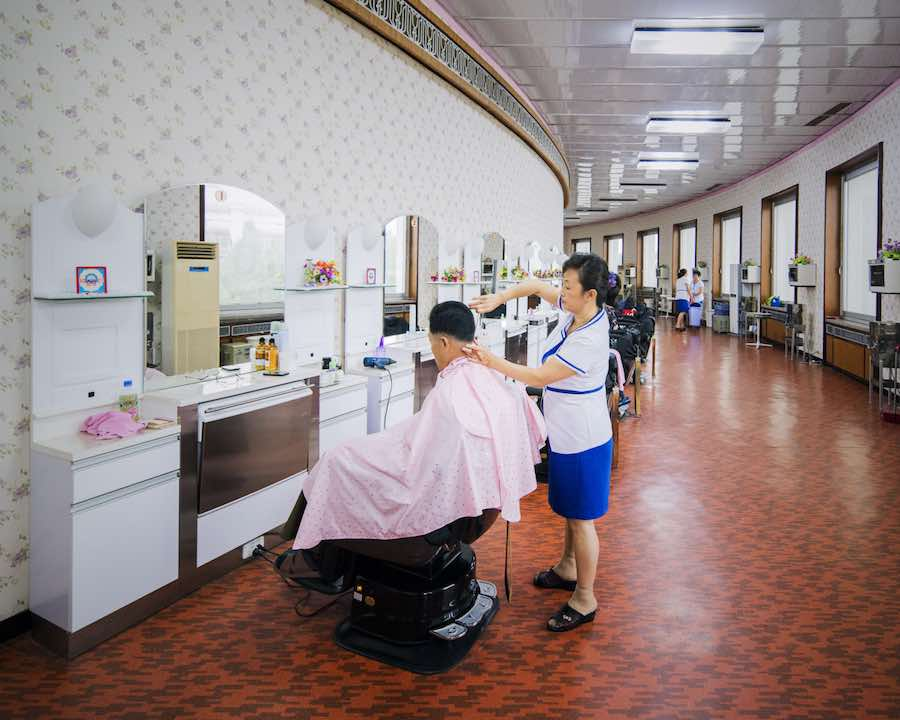 Barbershop inside Changgwang-won health complex, Pyongyang - Photo be Raphael Olivier.