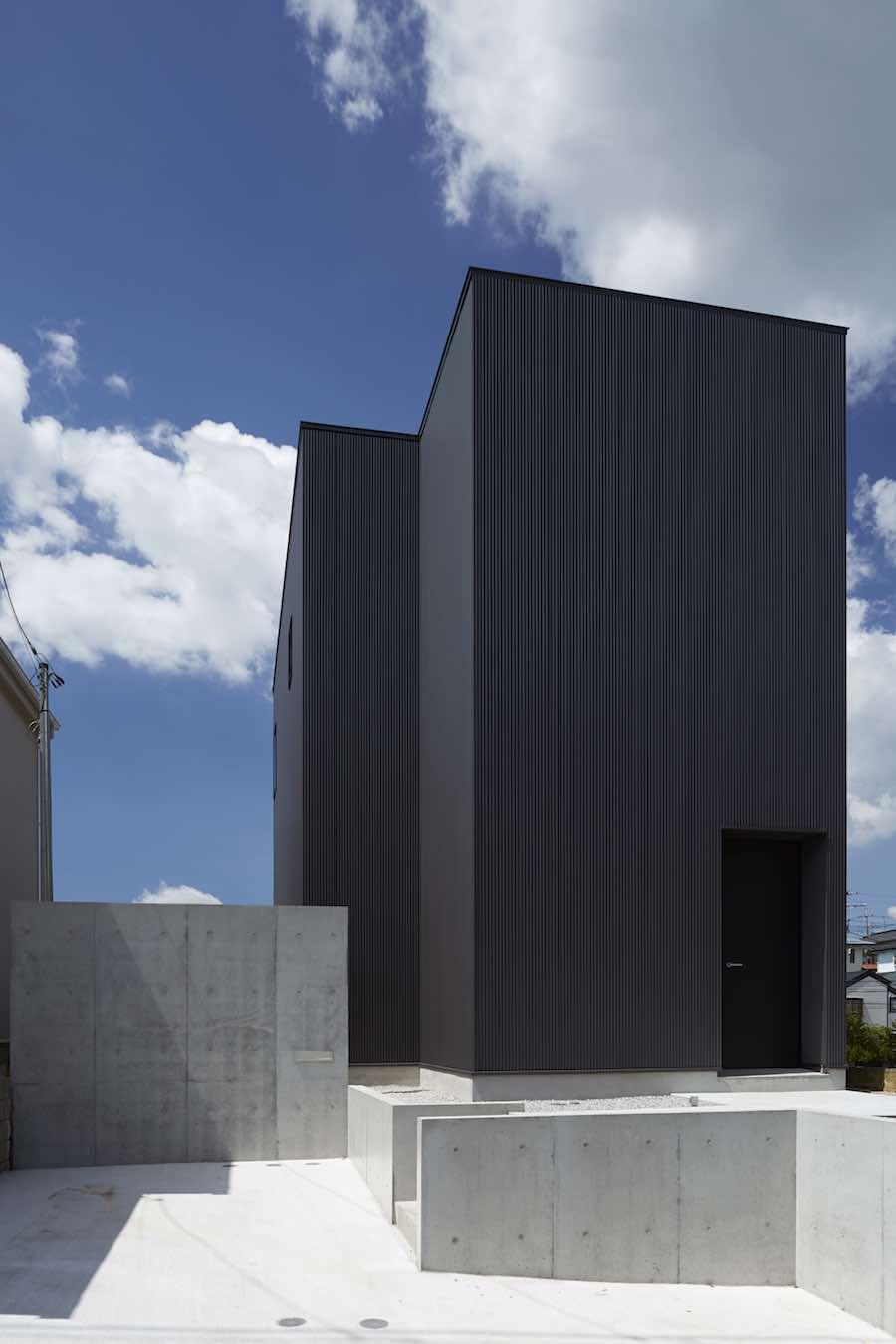 TAKATINA Black Box House: photo by Mikiko Kikuyama - Courtesy of Takatina.