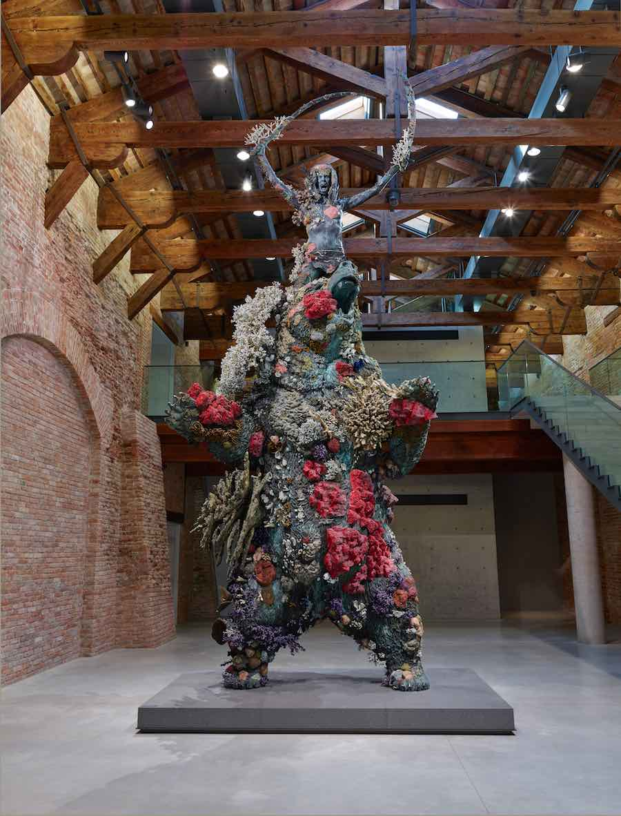 Damien Hirst, The Warrior and the Bear, Photographed by Prudence Cuming Associates © Damien Hirst and Science Ltd. All rights reserved, DACS 2017.