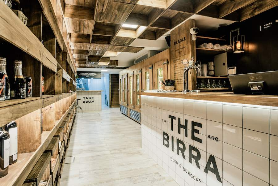 THE BIRRA by hitzig militello arquitectos - Photo by Esteban Lobo.