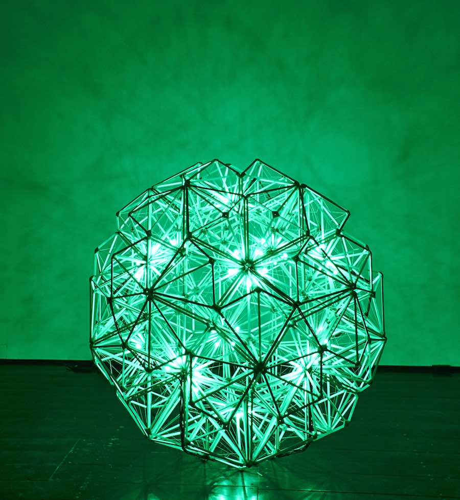 Green Light - Sandro E.E. Zanzinger, courtesy of Olafur Eliasson and Thyssen-Bornemisza Art Contemporary.