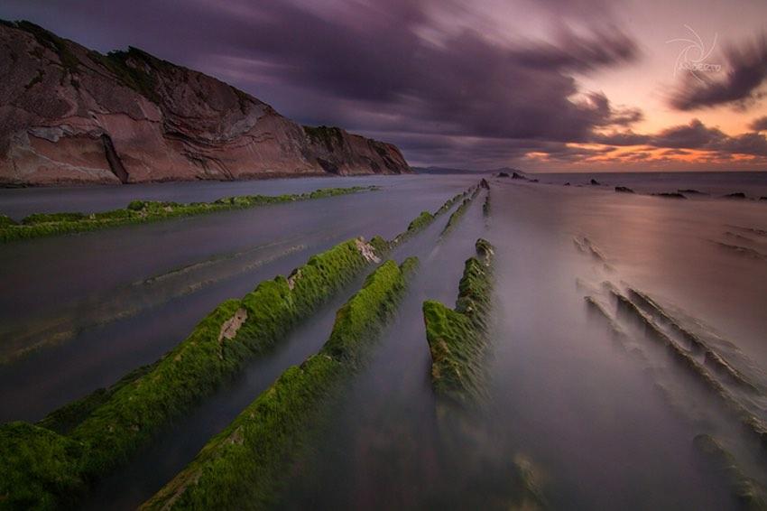 Itzurun beach, Spain - Photo by Ander Elexpuru CC BY-NC-ND 2.0.