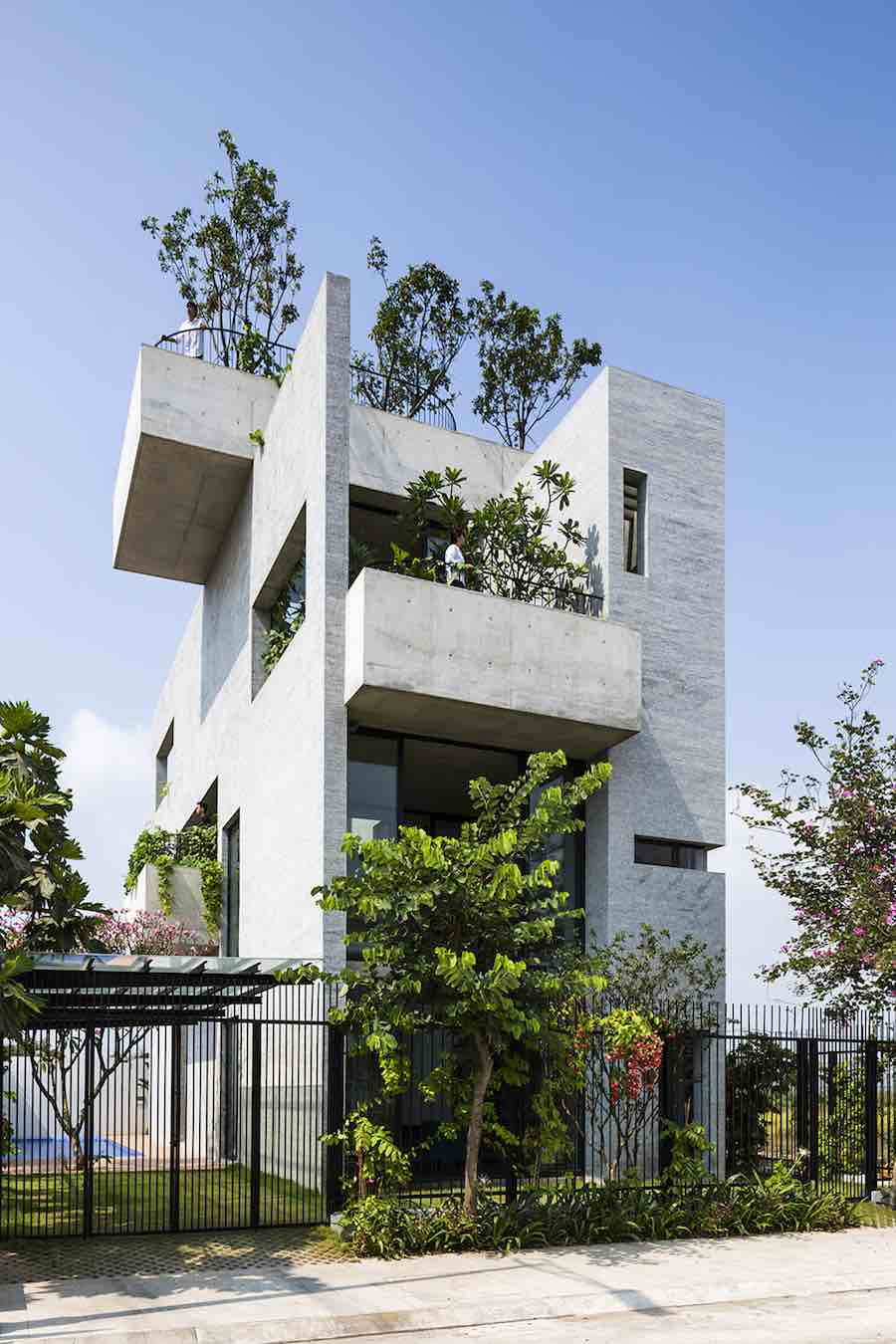 Binh House by Vo Trong Nghia Architects - Photo by Hiroyuki Oki, Quang Dam; courtesy of Vo Throng Nghia.