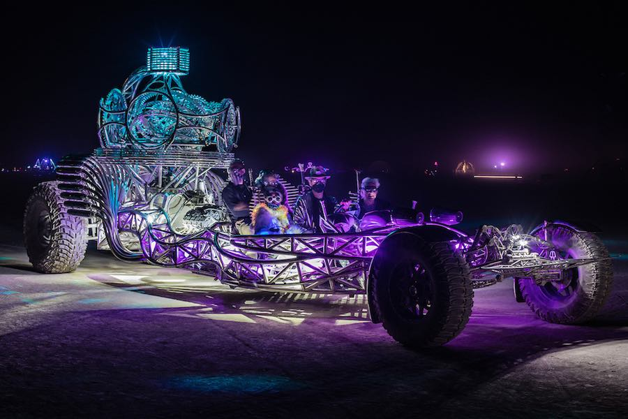 Mutant vhicles at Burning Man 2016 - Photo by Duncan Rawlinson (duncan.co), CC, Burning Man 2016