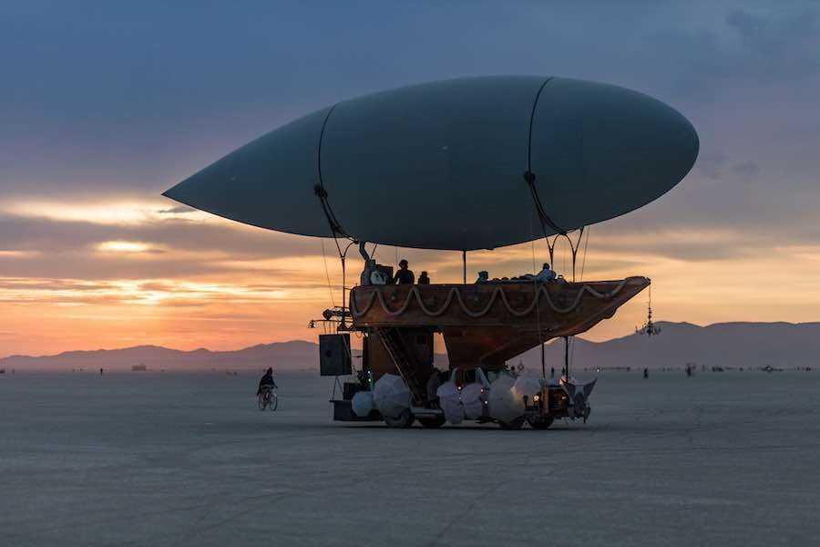 Mutant vhicles at Burning Man 2016 – Photo by Duncan Rawlinson (duncan.co), CC, Burning Man 2016
