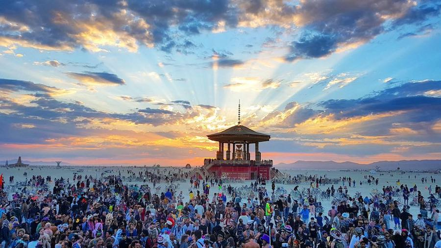 Burning Man 2017 - Photo by @oliverkoletzki, IG.